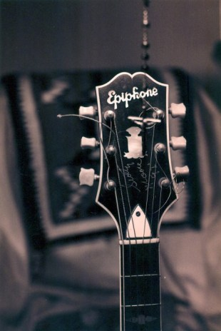 pbph-epiphone-signed-by-scotty-moore-copy.jpg