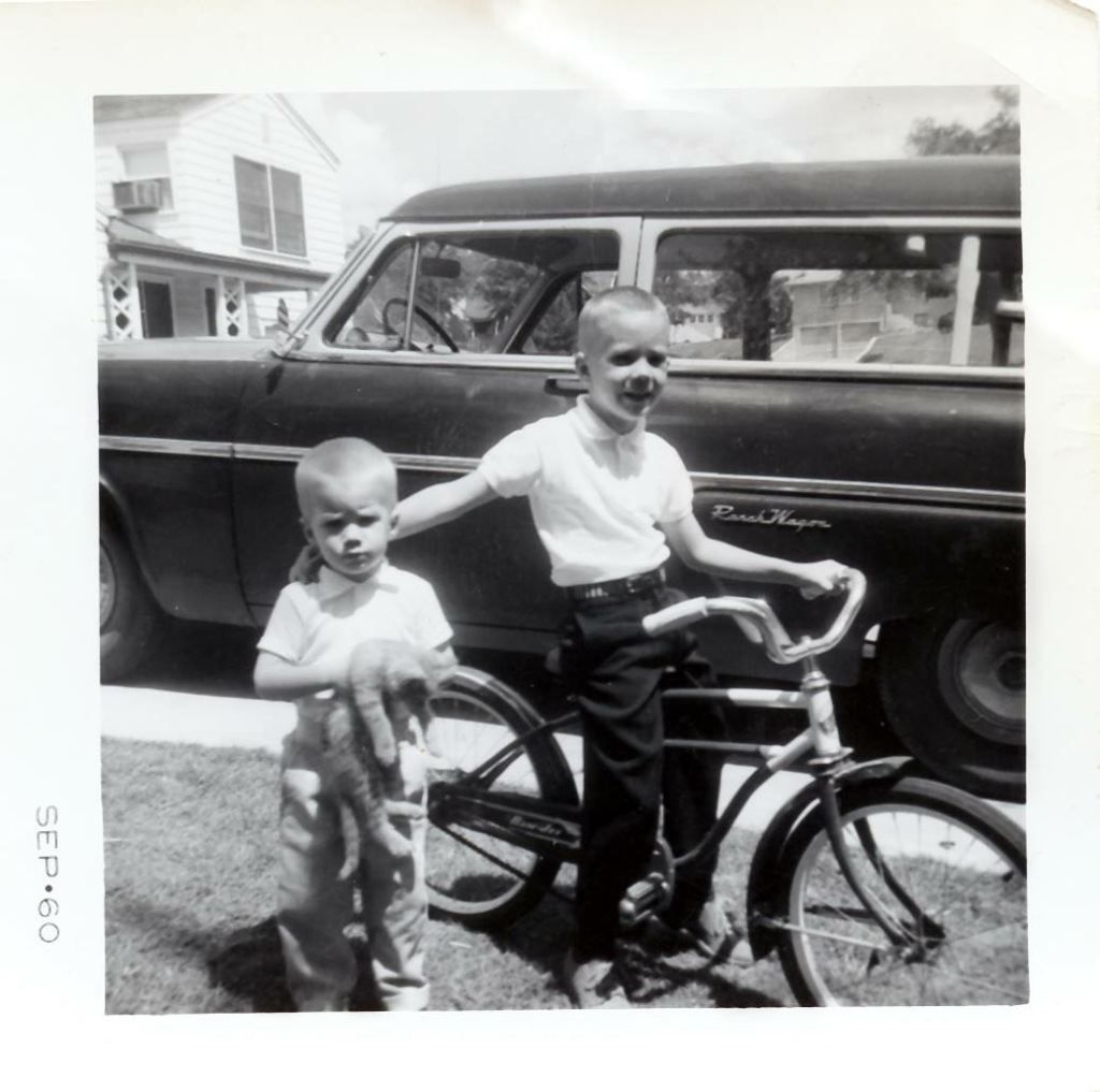 hedges child bike